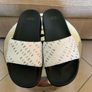 Victoria Secret Slides size Medium Like New